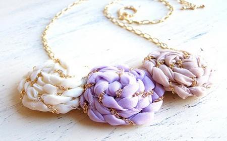 Ideas to make jewelry with T-Shirt yarn and fabrics