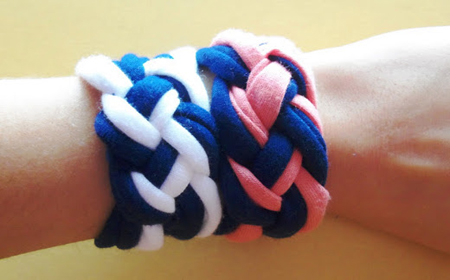An easy way to make a bracelet with recycled fabric
