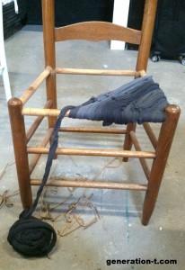 recuperar-sillas-viejas-con-tela-reciclada-4-206x300